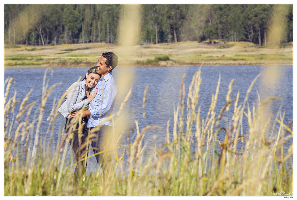 El romance y la naturaleza del amor se mimetizan en estos bellos momentos registrados por Wilder Bodas Fotografia